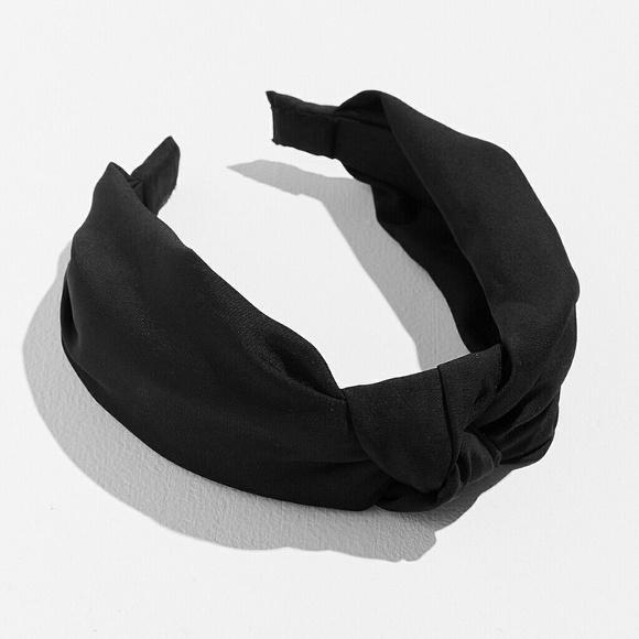 Top Knotted Satin Headband. M 5a72a6e82ae12f1a09ef052e 3b1b7450de7